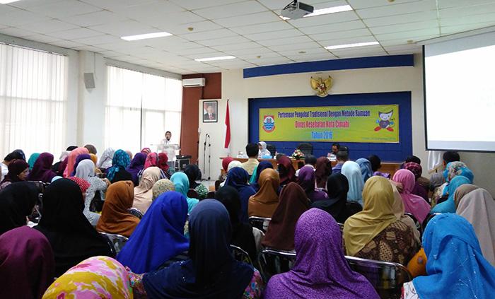 Atty Ajak Tukang Jamu Jualan di Kantin Pemkot Cimahi