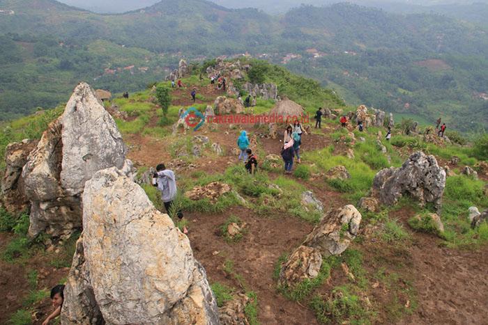 Terowongan Tebing Pabeasan Jadi Tantangan Para Petualang