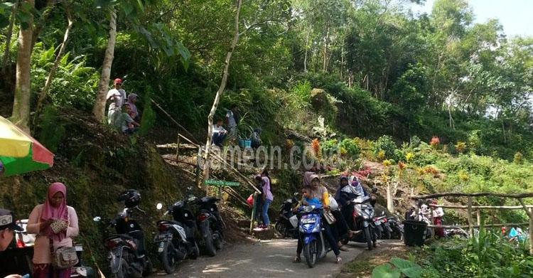 Libur Lebaran, Ribuan Wisatawan Padati Destinasi Wonder Hill Jojogan