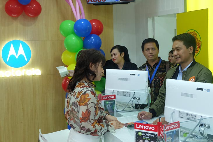 Motorola Resmikan Pusat Layanan Eksklusif di Surabaya