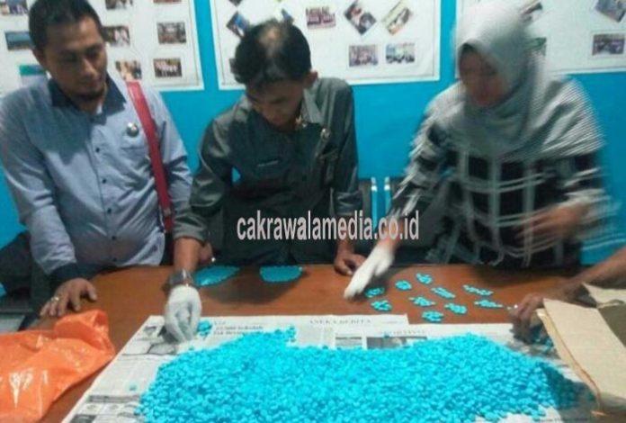 BNN Kota Tasik Berhasil Geledah dan Amankan 5.535 Pil PCC