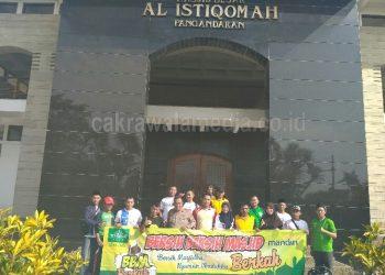 Sambut Ramadhan, PCNU dan Polisi di Pangandaran Bersih -Bersih Masjid