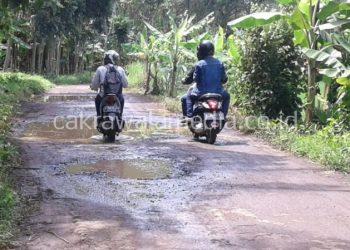 Warga Dusun Kedung Bangkong Keluhkan Jalan Rusak