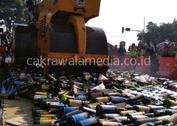 Polres Ciamis Musnahkan 8.485 Botol Miras dan 661 Oplosan