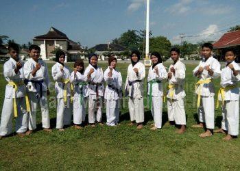 Demi Pangandaran, Euis Selalu Semangat Melatih Olahraga Karate