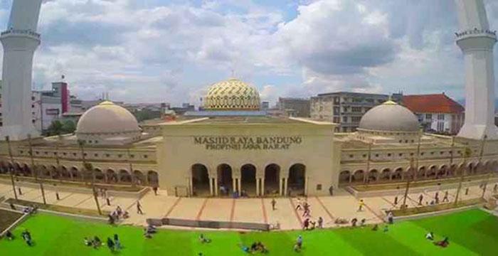 Bergesernya Makna Masjid