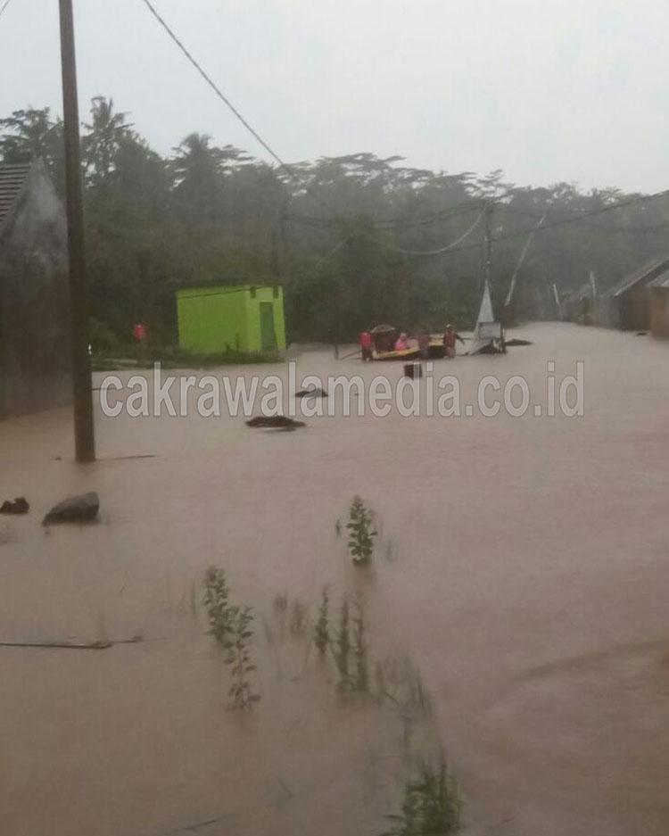 Pangandaran Diterjang Banjir, Ratusan KK Perumahan Garden Estetika Mengungsi