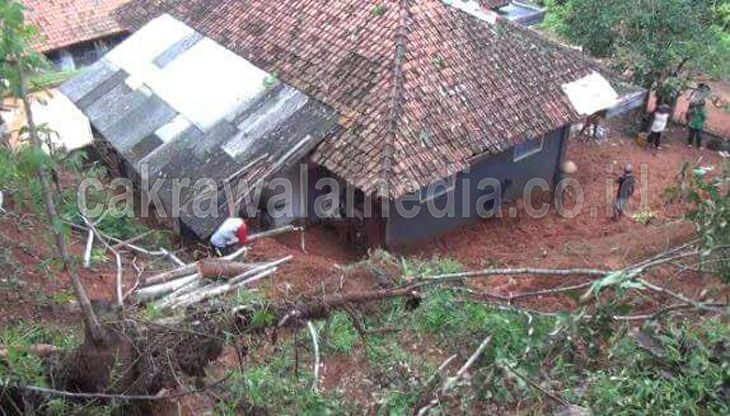 Sehari Pangandaran Dilanda 6 Kejadian Bencana Alam Longsor dan Banjir