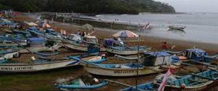 Cuaca Buruk Penghasilan Nelayan Pangandaran Menurun