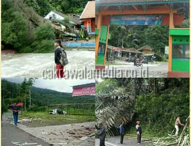 Bencana angin puting beliung melqnda sejumlah desa di Wilayah Kab Tasikmalaya, sejumlah rumah rusak berat, Kamis ( 30/11) ( dzm )