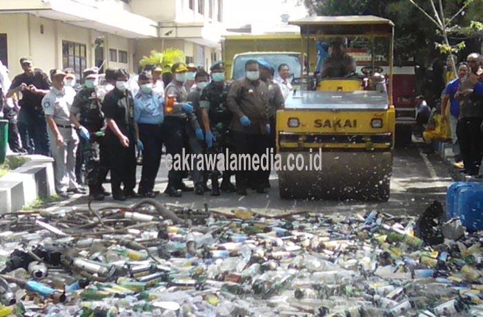 3.500 Botol Miras dan 5.000 Butir Pil PCC Dimusnahkan