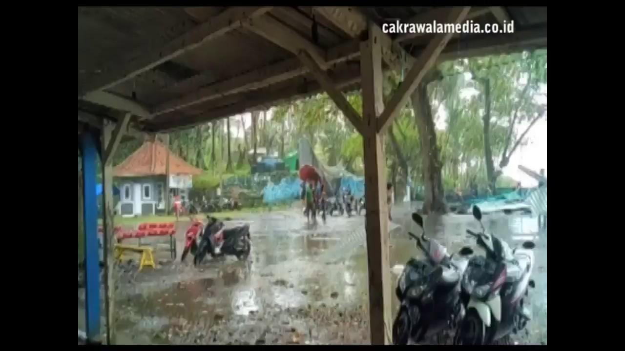 Bencana Puting Beliung di Batu Hiu Pangandaran