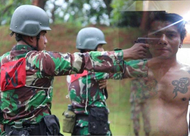 Tak Terima Dilerai Anggota TNI, Preman Bertato Bacok Anggota Brigif 13 Galuh
