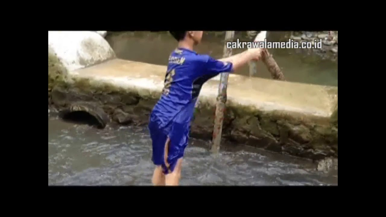 Video Bencana Angin Puting Beliung Galunggung 2016