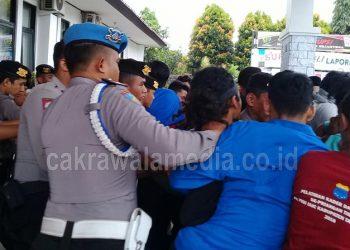 Tuntut Selesaikan Kasus Dugaan Gartifikasi Mobdin, Aksi PMII Diwarnai Bentrok Dengan Polisi