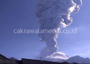 Merapi Meletus, Abu Vulkanik Sampai Semarang