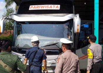 Polres Tasik Kota Cek Bus Angkutan Haji, Satu Unit Tak Laik Jalan