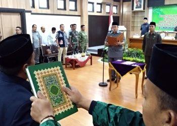 Wali Kota Tasik Kembali Lantik dan Ambil Sumpah 64 PNS