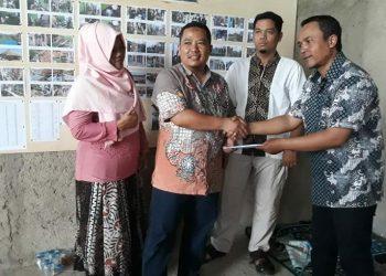 Jalankan CSR, Perhutani KPH BDU Beri Bantuan Untuk Pembangunan Masjid Al-Aisyah