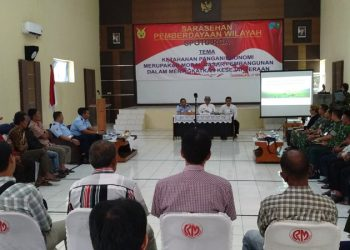 Kembangkan Ekonomi, Mabes TNI AU Berdayakan Petani Sekitar Lanud