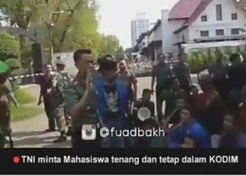 "Mahasiswa : Pak Tolong Kami Pak , Dandim 0201/BS "" Sudah, Tenang Kalian Aman di Sini """