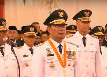 Presiden Joko Widodo Lantik 9 Gubernur di Istana Negara