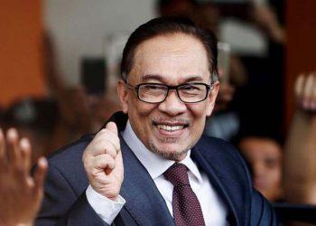 Anwar Ibrahim Selangkah Lagi Jadi PM Malaysia