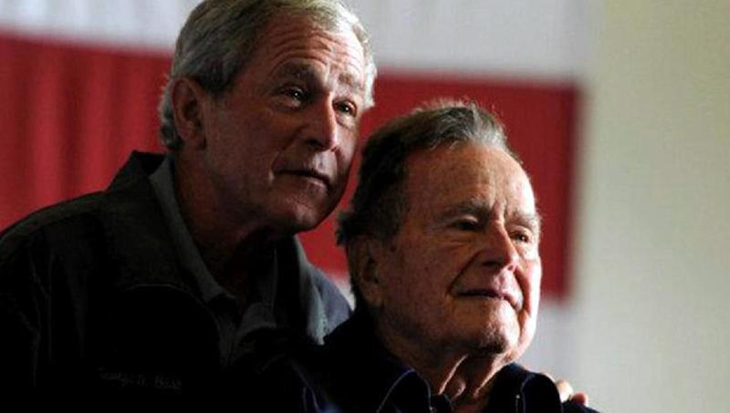 Trump Puji Kepemimpinan Bush Senior