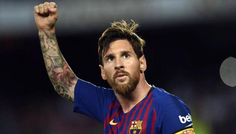 Gol Tendangan Bebas Messi dapat Sanjungan