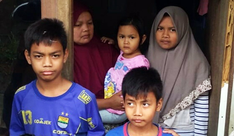 Janda Lima Anak Ini Berjibaku Bertahan Hidup Dibalik Megahnya Gedung KBB