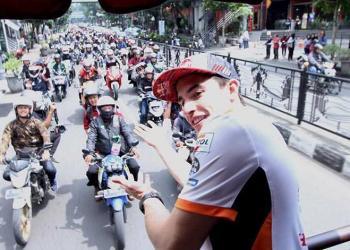 Kunjungi Bandung, Marc Marquez Keliling Naik Bandros