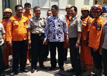 Wakil Wali Kota Tasikmalaya, H. Muhammad Yusuf foto bareng dengan personil BPBD Kota Tasikmalaya