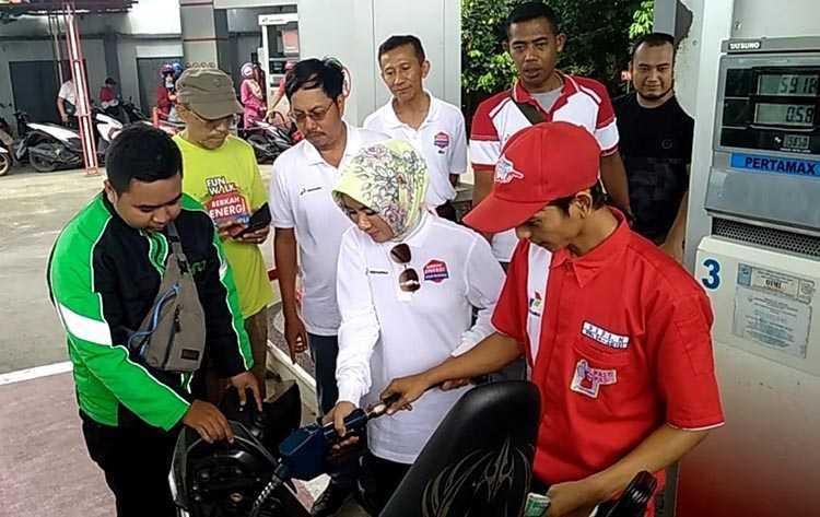 Pasca Penyesuaian Harga BBM, Nicke Dirut Pertamina Pantau Sejumlah SPBU