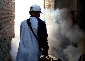 Cegah Wabah DBD, Puskesmas Bantarsari Lakukan Fogging