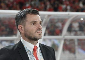 Kekalahan Timnas 0-3 Atas Thailand, Suporter Serukan 'Simon Out'