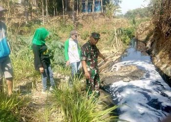 Sungai Cipeusing Berwarna Hitam dan Berbau, Sektor 9 Citarum Sigap Ambil Tindakan